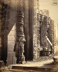 Close view of sculptural details of unfinished rear gopura of the Ramalingeshvara Temple, Tadpatri